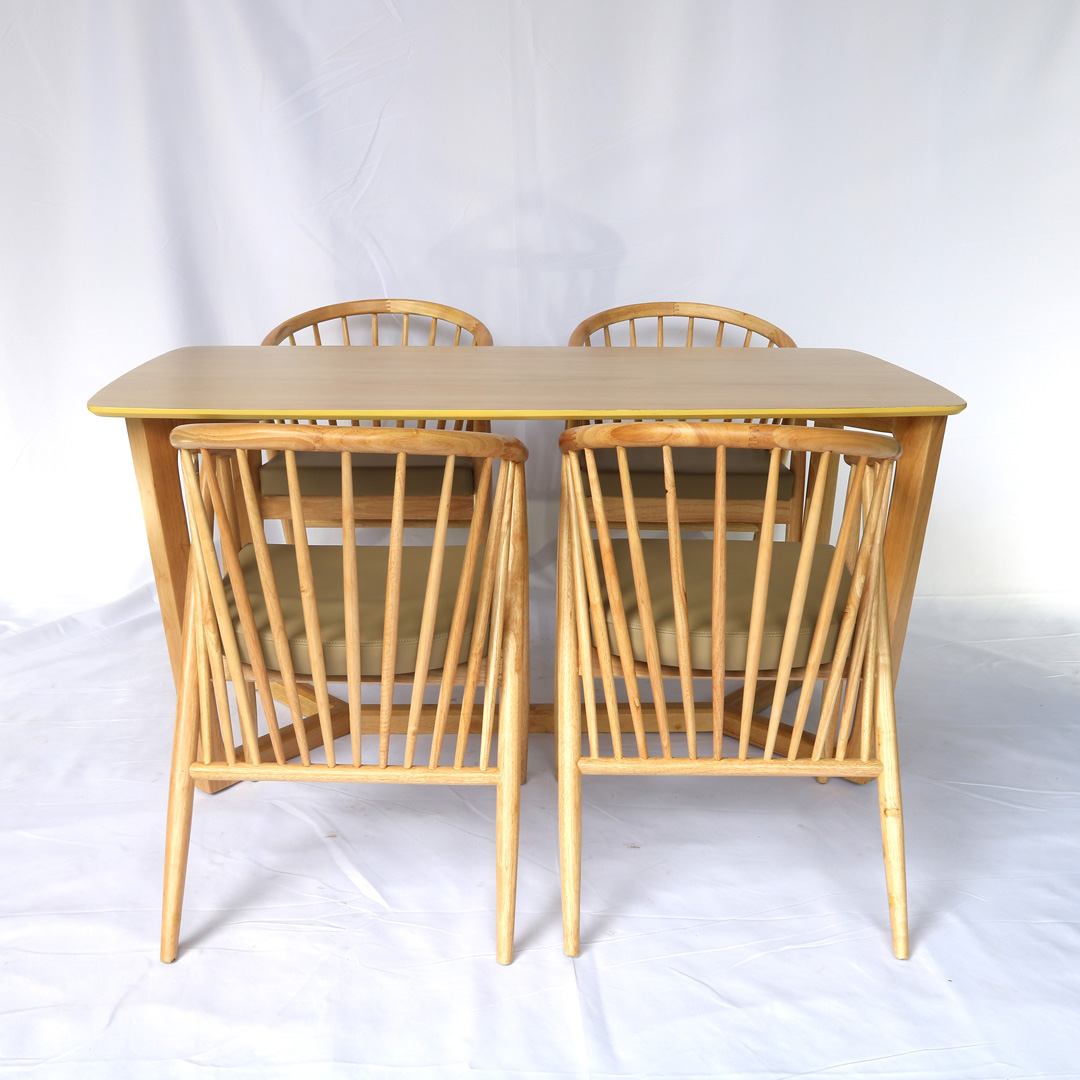 Bộ bàn ghế ăn 12 nan 4 ghế ngồi